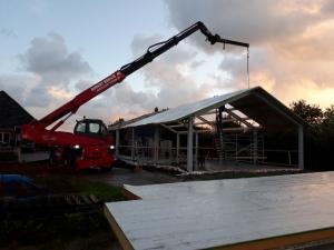 dak platen hijsen met vacuüm unit robert bruijn verreiker verhuur